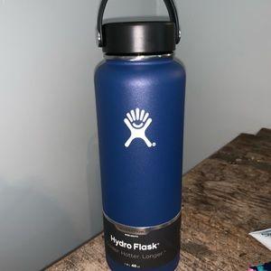 NWT 40 oz Hydro Flask